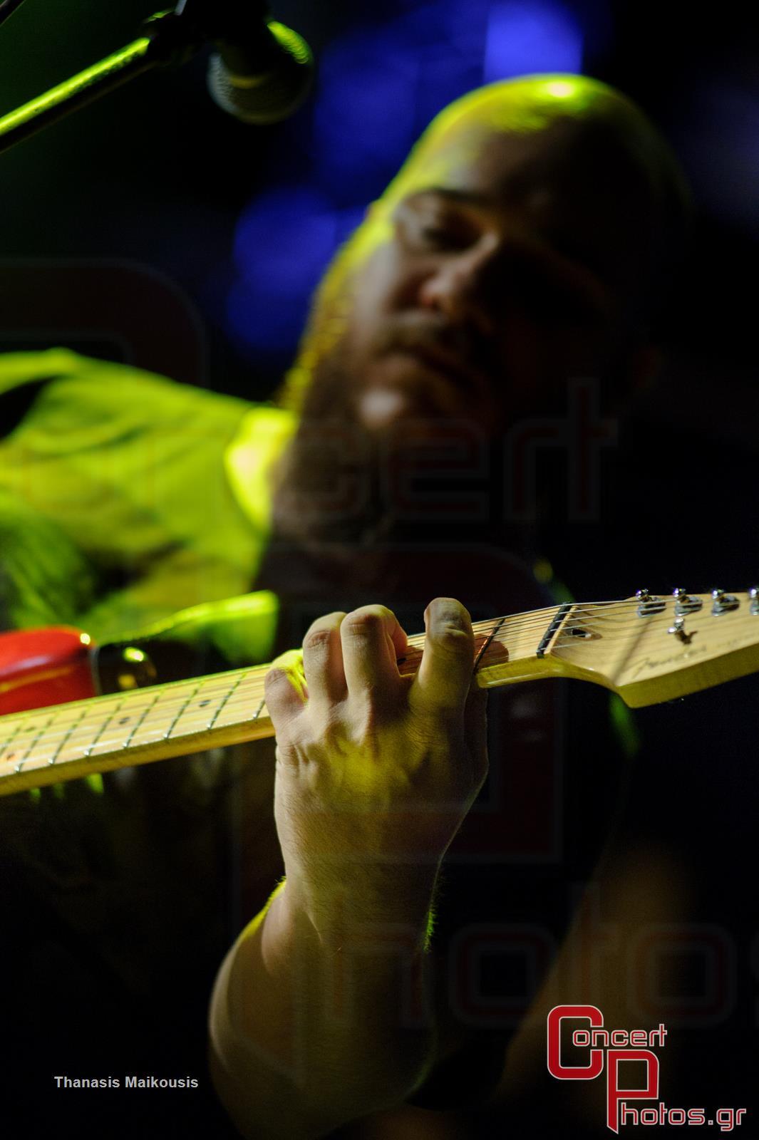 Active Member - Τραγούδα μας να φύγει το σκοτάδι- photographer: Thanasis Maikousis - concertphotos_-5575